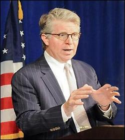 Manhattan District Attorney, Cyrus Vance